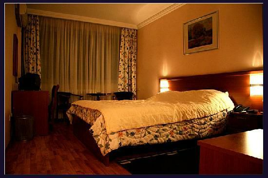 Hotel Shab-e-Roz